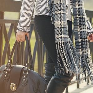 Damentaschen aus Leder